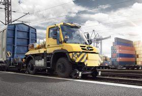 Mercedes Unimog U423 Дърпа 1000-тонен влак