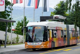 Новите швейцарски автобуси ще се зареждат с ток за 15 сек