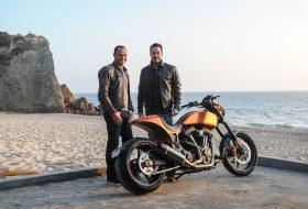 Авангардните мотоциклети на Киану Рийвс