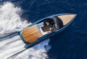 Официално: моторната яхта на Aston Martin е готова