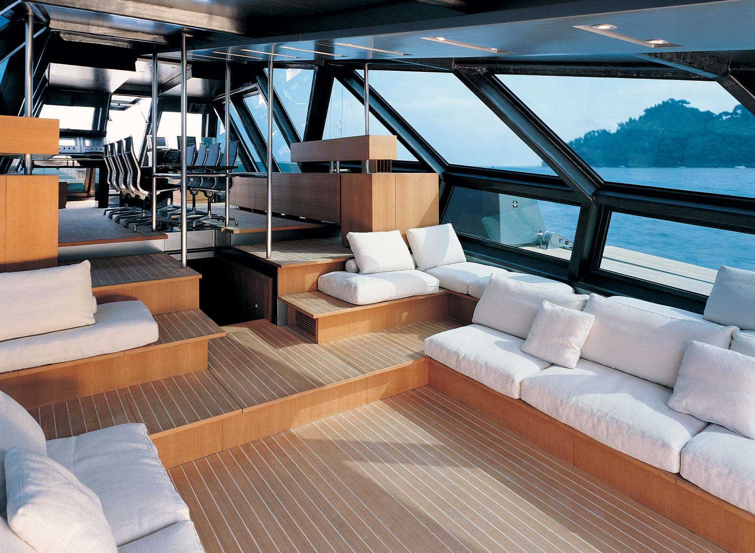 wallypower-118-yacht-interior