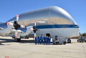 НАСА превозва корабите си с уникален самолет