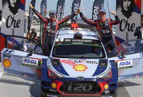 Тиери Нювил е четвъртият победител във WRC за сезона
